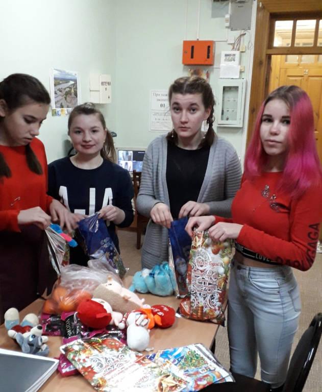 Волонтёрский отряд «Солнце» поздравил воспитанников структурного подразделения школы №4